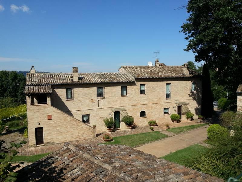 Casolare ristrutturato a Grottazzolina € 580.000