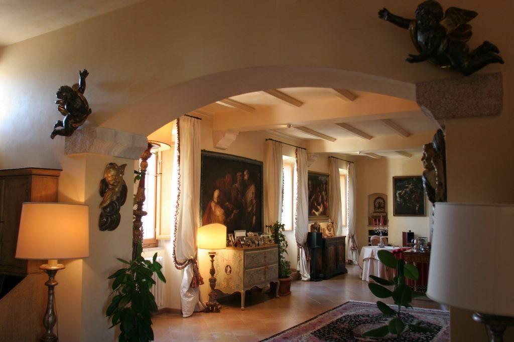 Torre di Palme – Fermo – Palazzo Esclusivo        Trattative Riservate