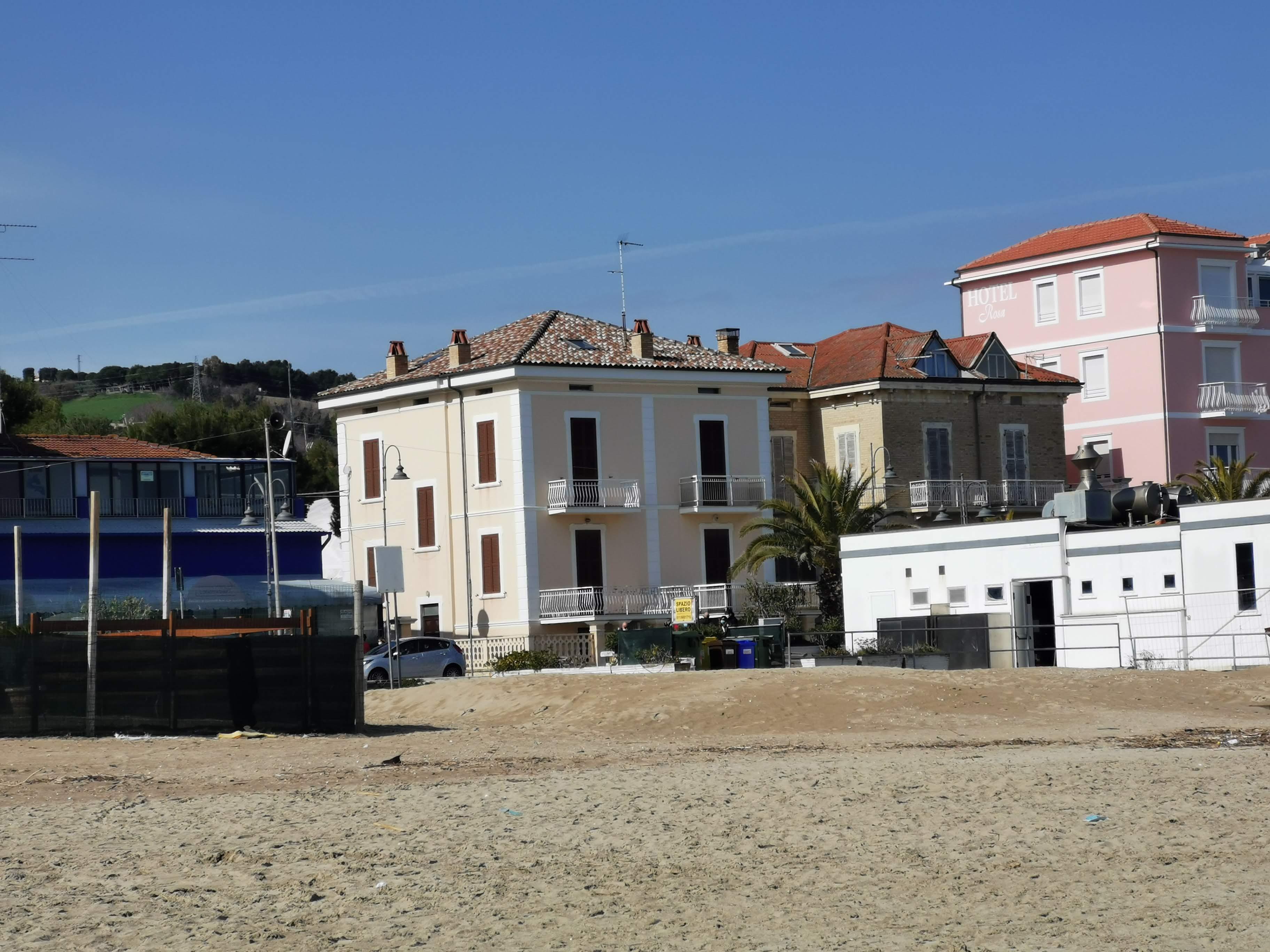 Porto San Giorgio Lungomare , Villino Liberty